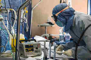 Arrestato medico accusato della morte di due malati Covid