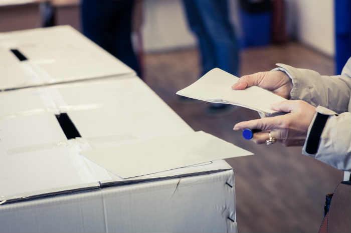 Le prime elezioni in piena pandemia sono passate