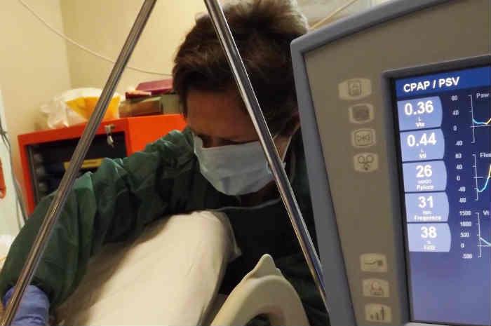 infermiera al lavoro