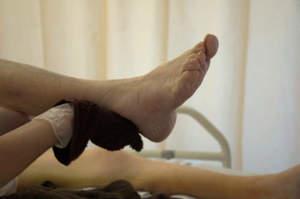 Igiene dei piedi e taglio delle unghie
