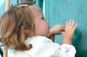 Approccio comunicativo al bambino sordo
