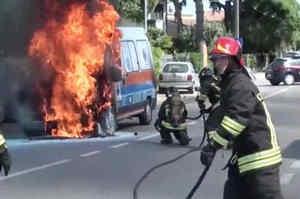 L'ambulanza va a fuoco. Paura a Ravenna