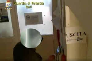 Arrestati 12 furbetti cartellino ospedale Don Tonino Bello