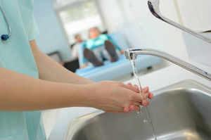 Cinque momenti dell'igiene delle mani