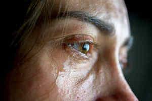 Spallanzani: SARS-COV-2 isolato in lacrime di una paziente