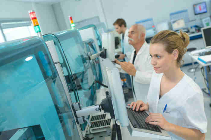 Ecm, le nuove regole Agenas per i professionisti sanitari