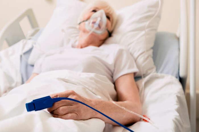Paziente con ossigenoterapia