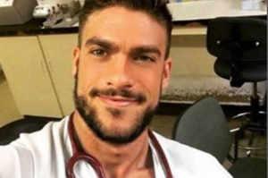 È spagnolo l'infermiere più bello del mondo