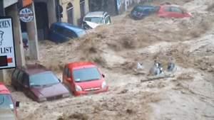 Genova, in ginocchio per l'alluvione: rabbia e voglia di rialzarsi